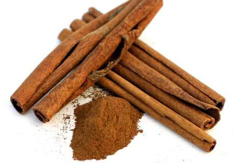 Chá de canela emagrece e é rico em benefícios