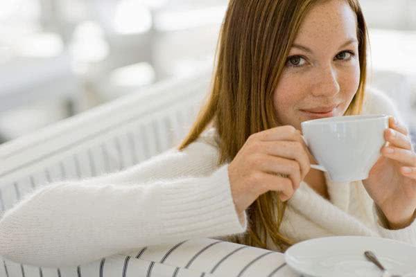 Chá de bolsa-de-pastor é aliado das mulheres