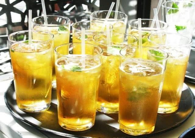 Aprenda a fazer um saboroso chá verde gelado