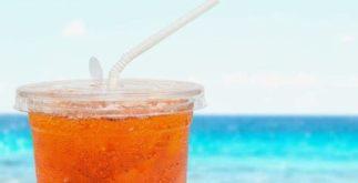 Chás ideais para tomar durante o verão