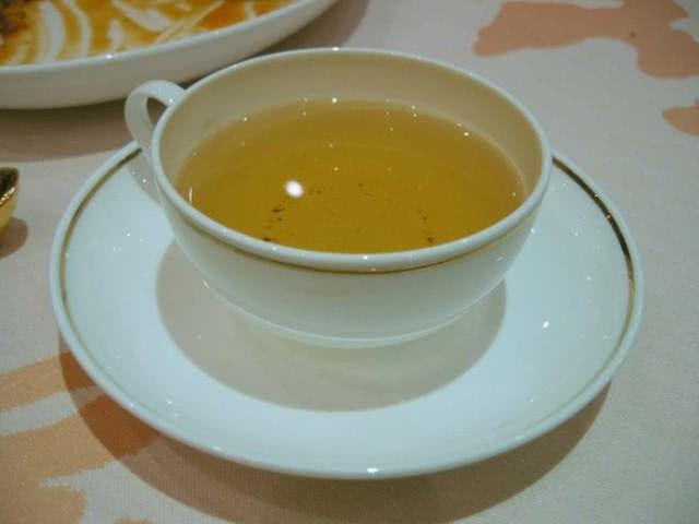 Chá da alegria: bebida trata desde uma gripe até o colesterol alto