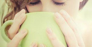 Aprenda a beber o chá verde de forma correta