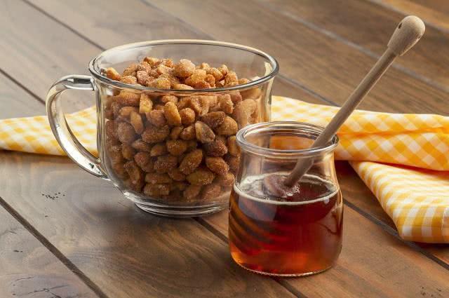 Chá de amendoim é uma boa pedida para o período junino
