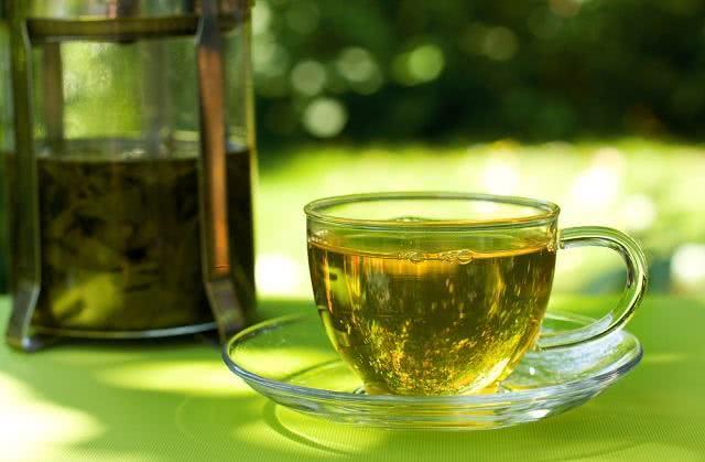 Descubra qué tés usar para tratar la piel irritada