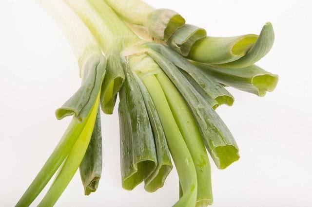 Benefícios e propriedades do chá de alho poró