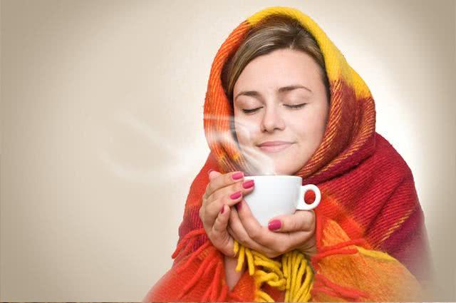 Chá promete solucionar constipação da rinite e sinusite. Veja como fazer