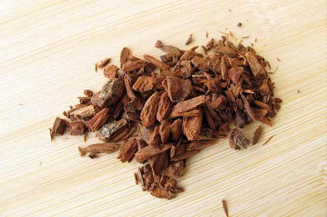 Chá de quinino: benefícios e propriedades