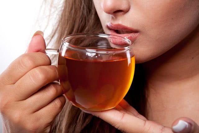 Planta antiespasmódica: Propriedades e benefícios do chá de solidéu da virgínia