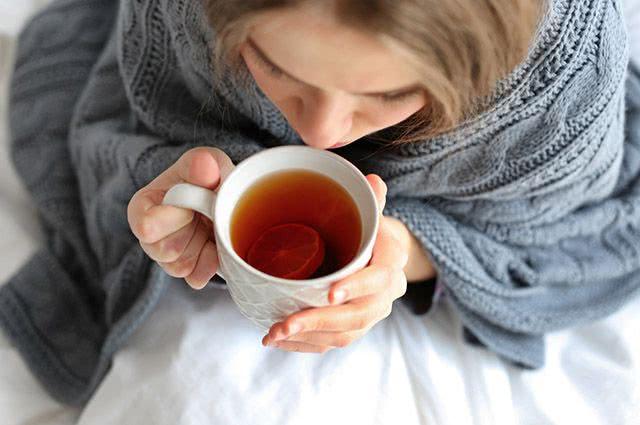 8 tipos de chás bons para te aquecer no inverno. Conheça