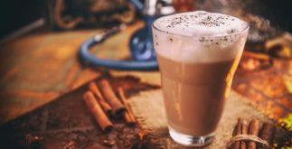Aprenda a preparar um chai latte vegano
