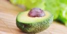 Caroço de abacate: conheça os benefícios desse chá exótico
