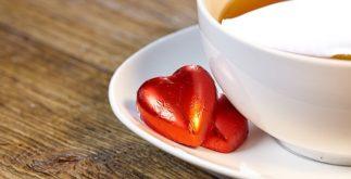 Chás benéficos para atrair amor e prosperidade para a sua vida