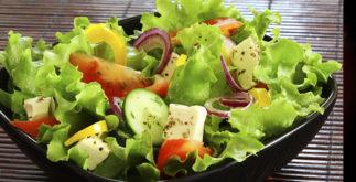 Mais do que saladas! Quais vegetais são recomendados para fazer chás?