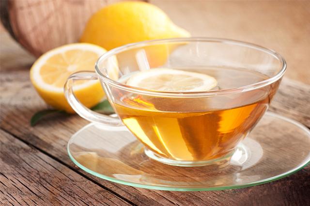 Chá de limão é benéfico e possui propriedades para a saúde humana