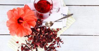 Veja para que serve o chá de hibisco com cavalinha