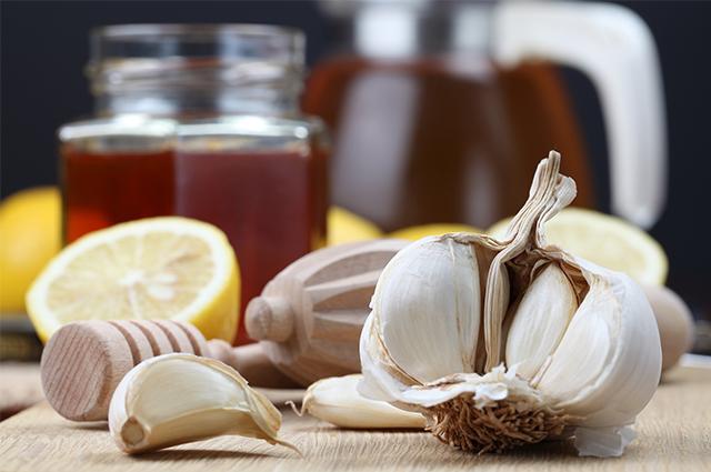 É essencial saber como fazer chá de limão com alho