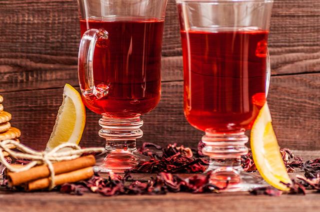Melhore sua saúde aprendendo como fazer o benéfico chá de hibisco com canela