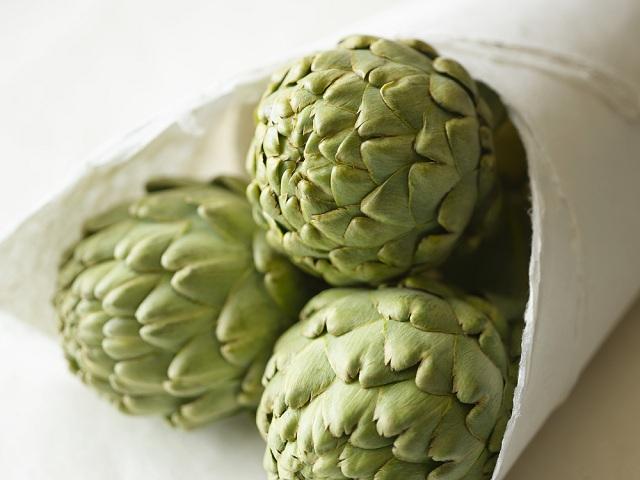 O chá de alcachofra serve como um facilitador do emagrecimento