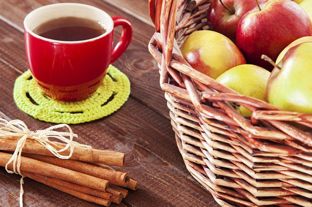 Existem duas formas de fazer o chá de maçã
