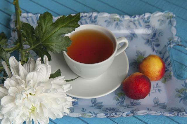 O chá de nectarina trata e evita doenças do coração, renal, digestiva e bucal
