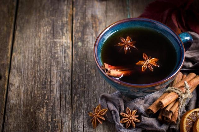Entre os benefícios do chá de canela está seu efeito termogênico