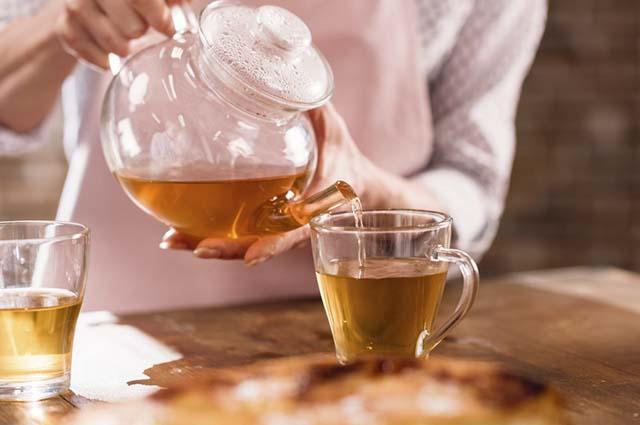 Se você sofre de indigestão, refluxo ou gases é imprescindível que aprenda a fazer chá de camomila