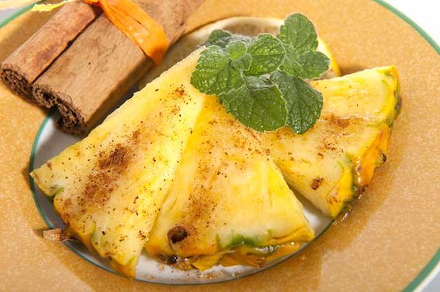 Além de emagrecer, o chá de abacaxi com canela traz inúmeros benefícios para a saúde