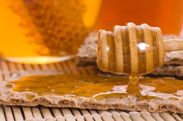 O chá de mel e vinagre compõe a lista de chá para emagrecer caseiro