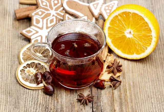 O chá de canela serve para acelerar a queima de gordura no corpo