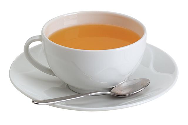 Para fazer o chá de canela de velho pode-se usar as folhas secas ou as gotas concentradas