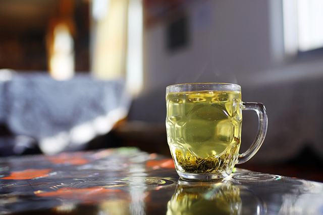 Suchá detox de abacaxi com chá verde é um aliado do emagrecimento rápido