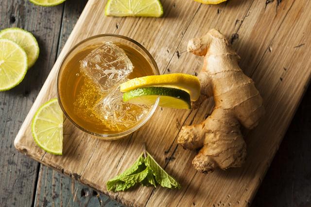 Chá verde, gengibre e limão