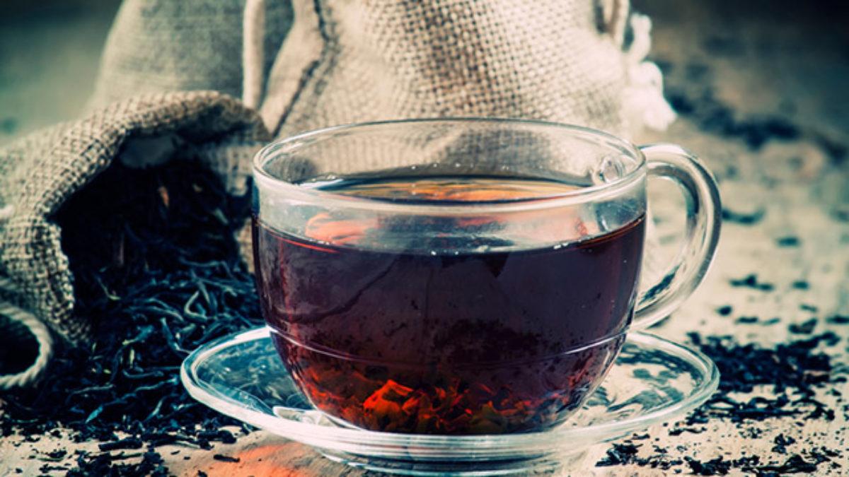 Chá preto: para que serve e como fazer - Chá Benefícios