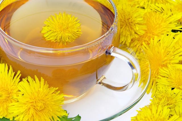 Chá e flores de dente-de-leão